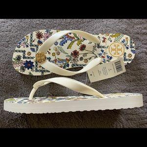 Tory Burch flip flop ☆ ivory flower pattern